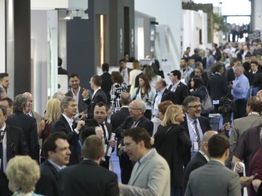 Inaugura il Coverings 2016