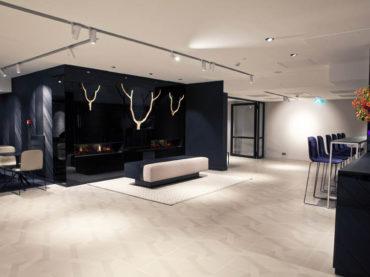 La collezione Labyrinth di Ceramiche Refin scelta per i rinnovati spazi del teatro Spant! a Bussum