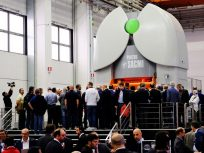 Sacmi News: Nuova PH 8200 serie Imola, Sacmi inaugura l'era della pressatura smart
