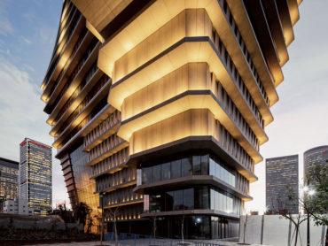 La superficie ultracompatta Dekton by Cosentino riveste la torre ToHa a Tel Aviv