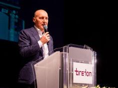 Breton presenta il nuovo marchio e crea servizi personalizzati per migliorare le performance di business delle smart-factory
