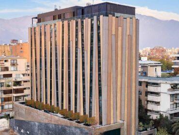 A Santiago il primo hotel bioattivo del sud America ha le facciate targate Laminam